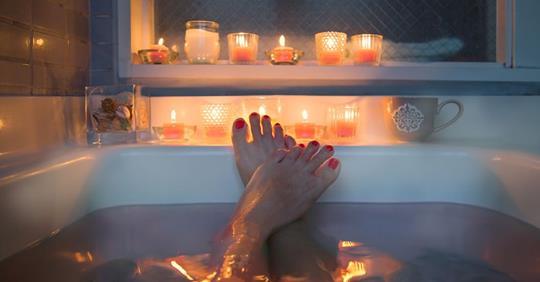 Горячая ванна может сжечь как можно больше калорий, говорят исследователи