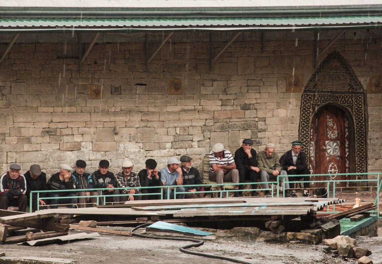 Корода (Дагестан). Село-западня, мечеть второго имама и Карадахское ущелье