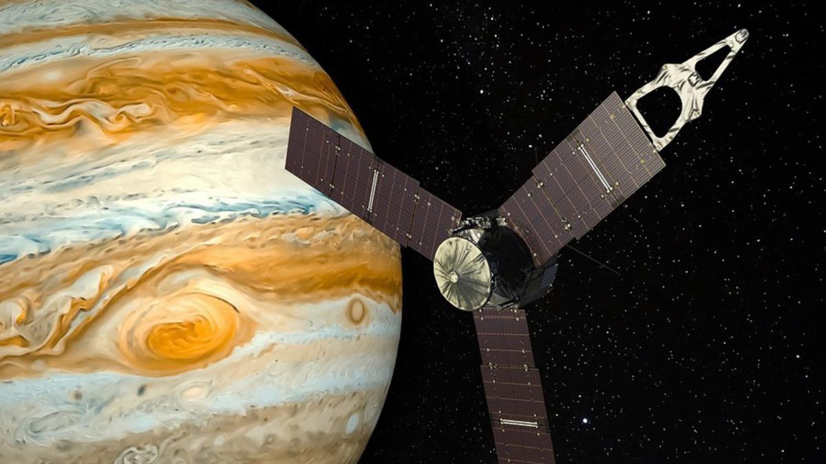 В Большом красном пятне на Юпитере нашли воду