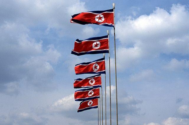 Пхеньян призывает Южную Корею извиниться за сожжение флага КНДР