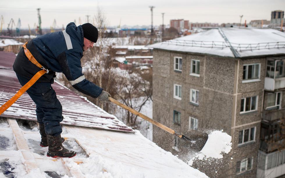 Спецподразделение по борьбе с сосульками появится в Санкт-Петербурге