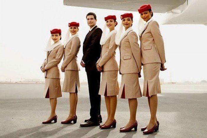Как выглядят стюардессы в 36 странах мира