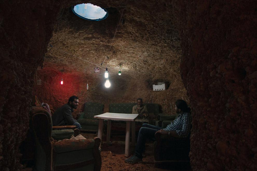 Семейное подземное убежище в пригороде Алеппо