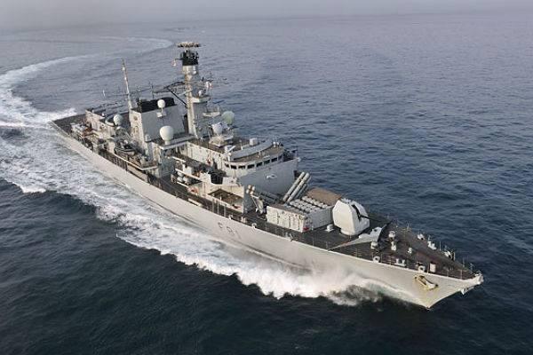 Британия отправила следить за российскими кораблями фрегат Sutherland