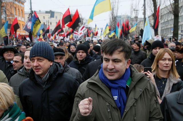 Саакашвили сорвал допрос в Генпрокуратуре, покинув здание