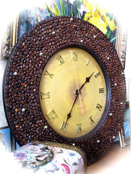 Поделки из кофейных зёрен часы 92