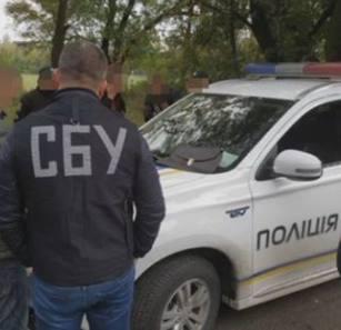 Сотрудник СБУ побил остановившего его авто патрульного
