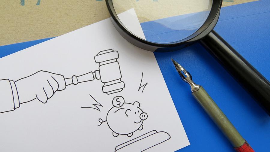 Как выиграть суд у банка? Кого коснутся налоговые штрафы? И что выгодно покупать летом?