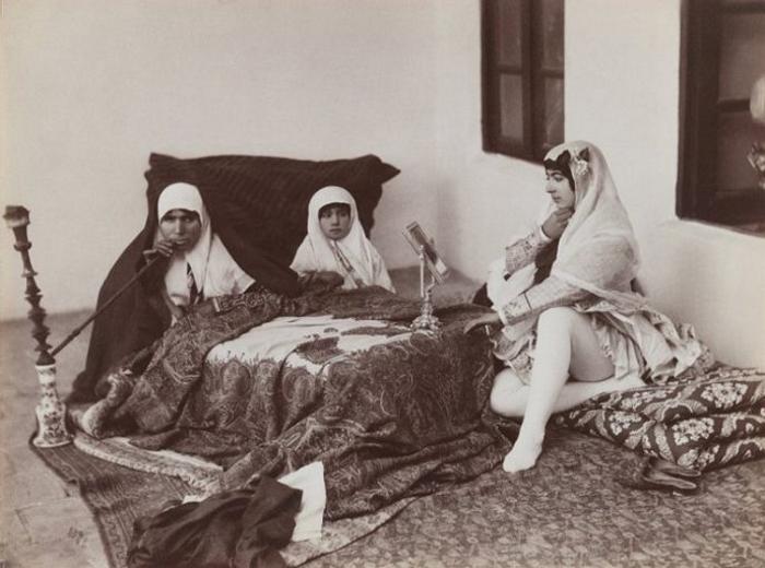 Раскрыт секрет иранских «красоток». Вот кого на самом деле фотографировал правитель!