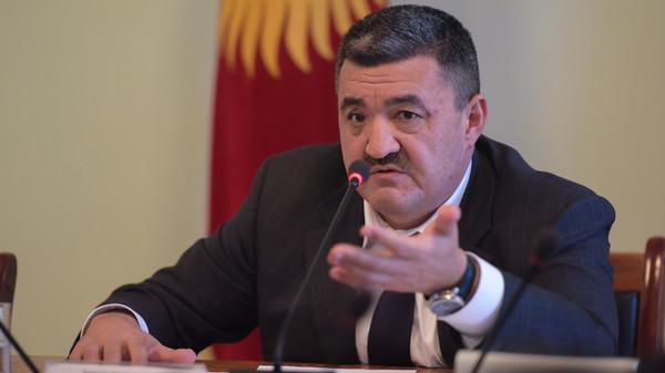 Мэра Бишкека, подозреваемого вкоррупции, отправили вотставку