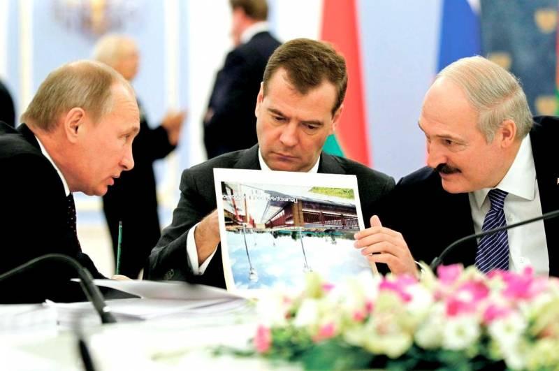 Как правильно объединить Россию и Белоруссию