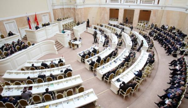 Петербургский парламент неторопится среферендумом поИсаакиевскому собору