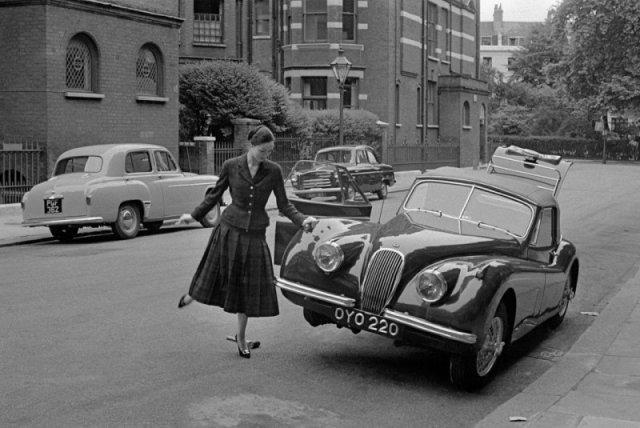 Водитель Ягуара. Фото Frank Horvat, 1955 история, люди, мир, фото