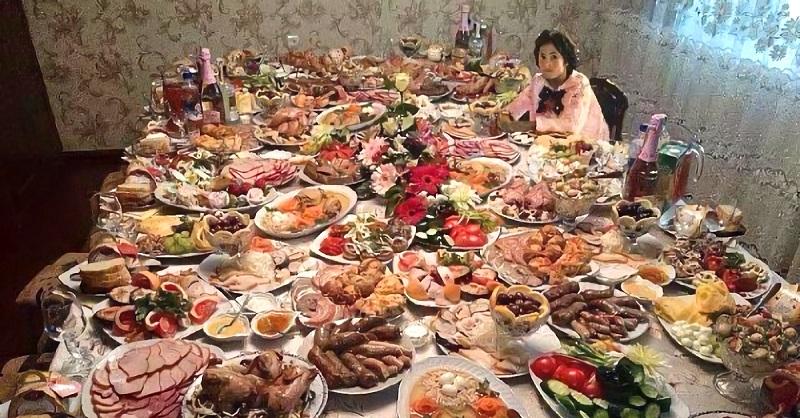 Тест-подготовка к Новому Году: сможете назвать основные ингредиенты для любимых новогодних блюд россиян?