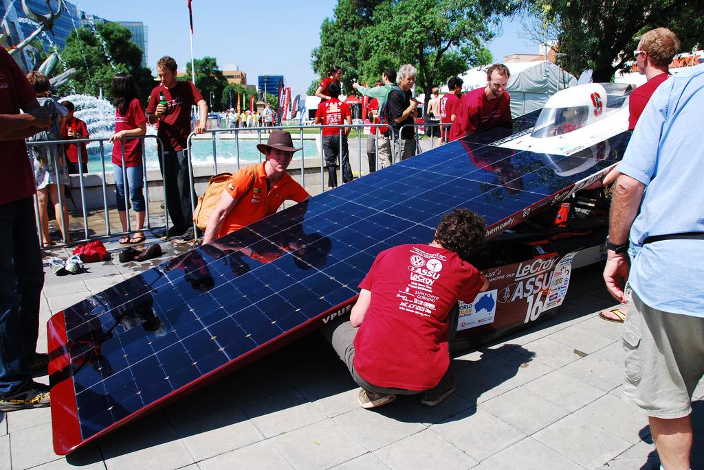 728 Автомобили на солнечной тяге