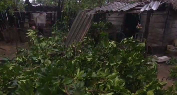 МЧС предупреждает жителей Екатеринбурга о штормовом ветре 11 и 12 октября