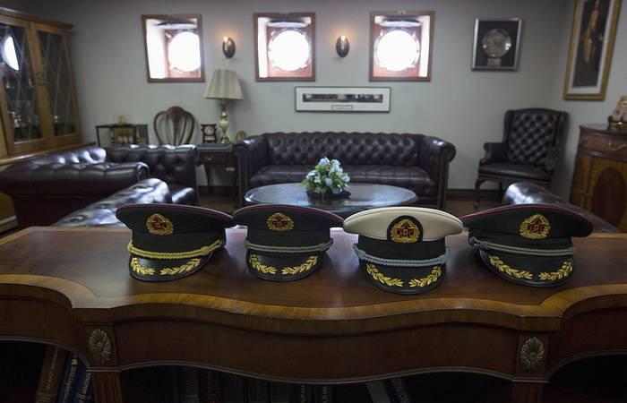 СМИ: В НОАК сменили всех главнокомандующих 13 сухопутных армий