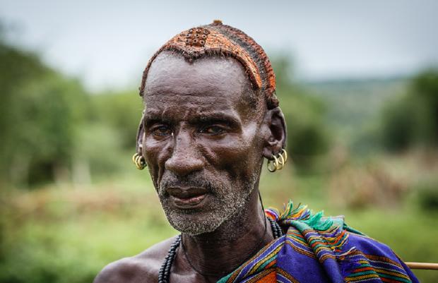 Бергдамы — племя рабов в пустыне Калахари: они боятся воды и никогда не моются