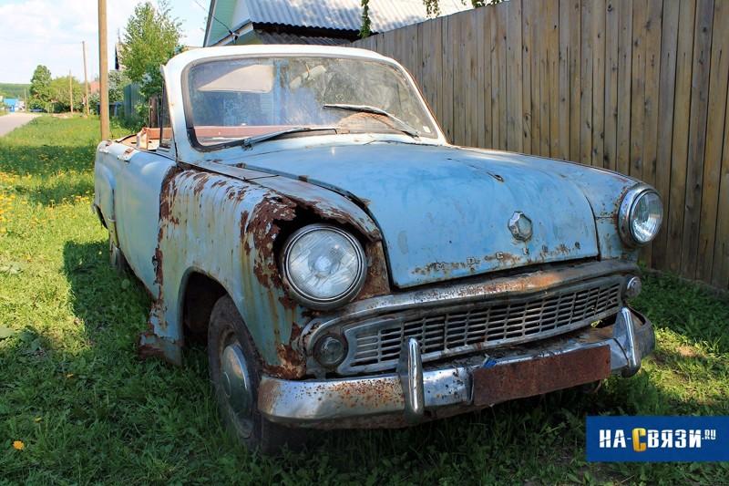 Какие старые автомобили можно встретить в деревнях?