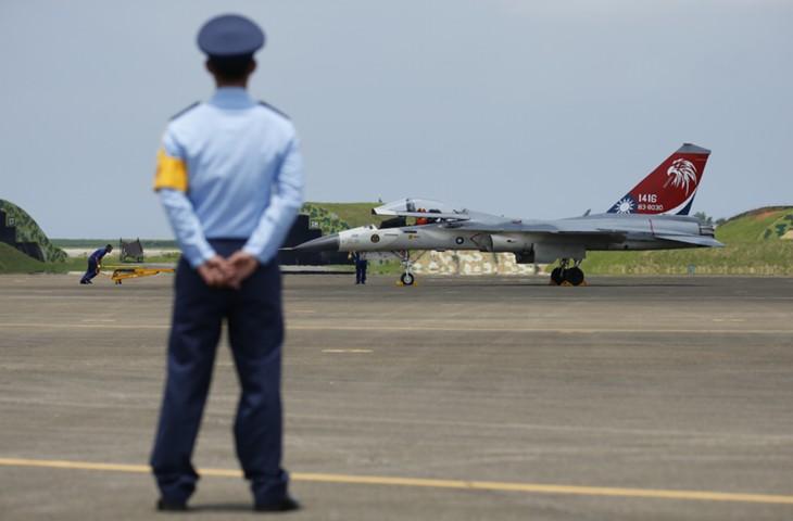 МИД КНР: продажа оружия Тайваню со стороны США подрывает суверенитет Китая