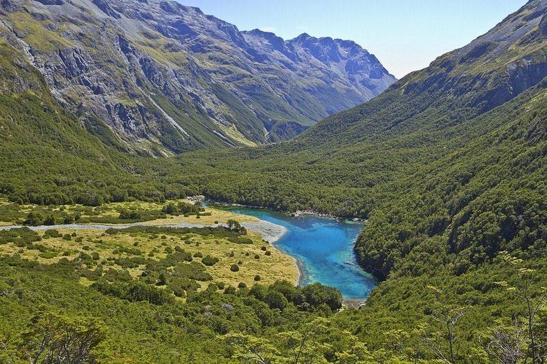 Самое чистое озеро на Земле в котором нельзя плавать