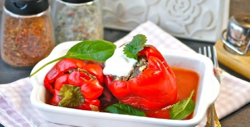 Перец, фаршированный мясом: тушим в кастрюле полезное блюдо на каждый день