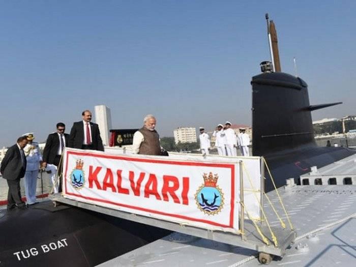 Первая индийская субмарина собственной постройки принята на вооружение