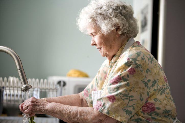 Как мы перевезли бабушку к себе жить