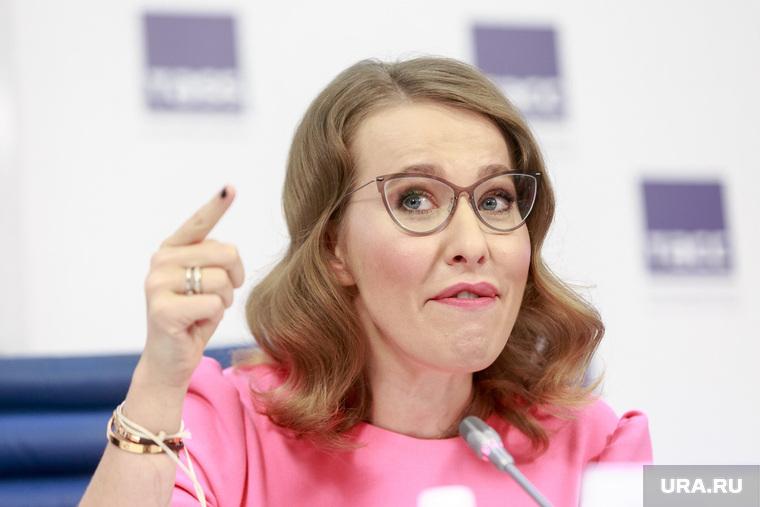 Собчак заявила, что стала причиной отставки губернатора Санкт-Петербурга