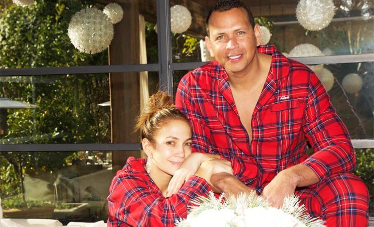 Дженнифер Лопес и Алекс Родригес устроили пижамную вечеринку у себя дома