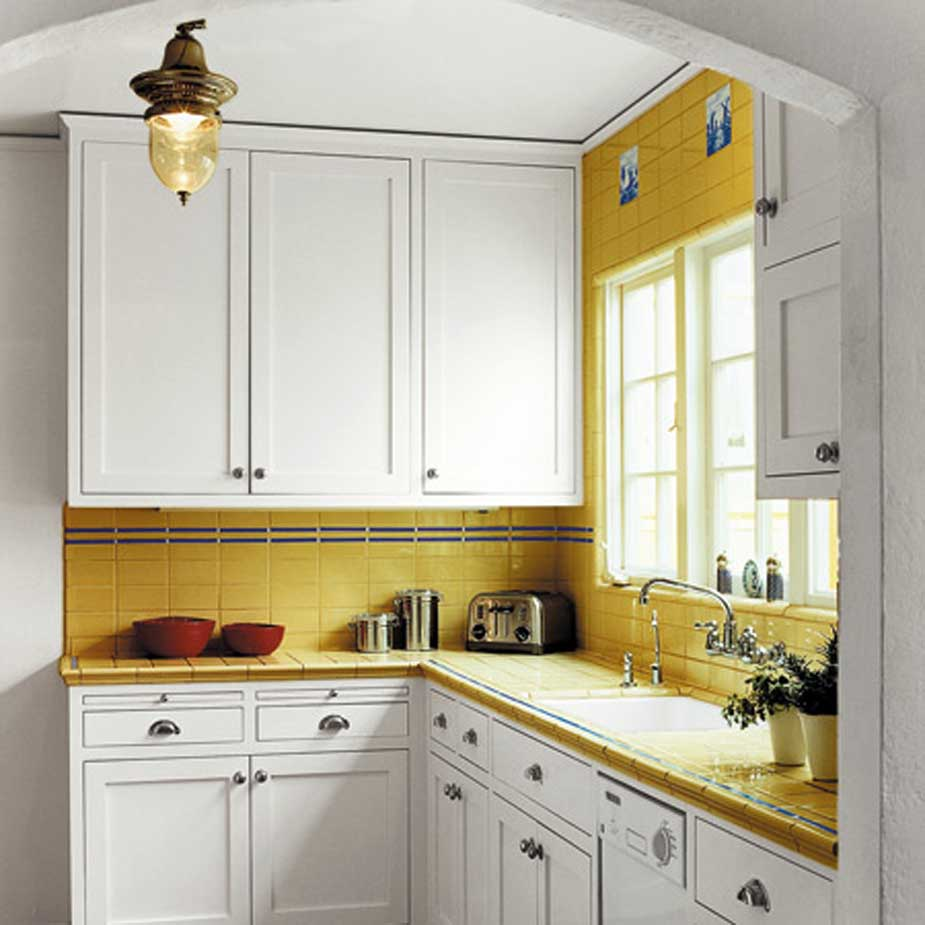 Дизайн маленькой кухни для частного дома