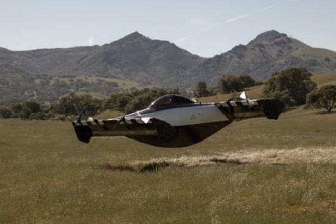 Полет первого в мире летающего автомобиля: видео