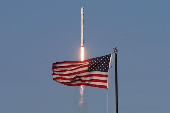 Космические запуски от SpaceX вдвое дешевле, чем у конкурентов
