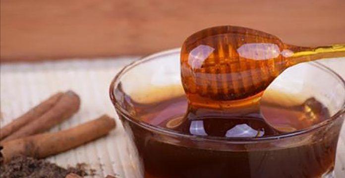 Даже врачи не могут объяснить это: корица и мед — это лекарство от артрита, проблем с желчным пузырем, холестерина и еще 10 проблем со здоровьем