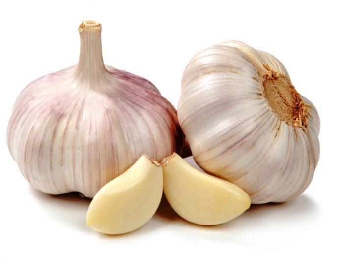 Преимущества употребления сырого чеснока на пустой желудок на ежедневной основе