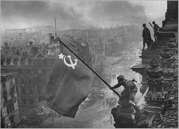 Вся война в объективе  Евгения Халдея