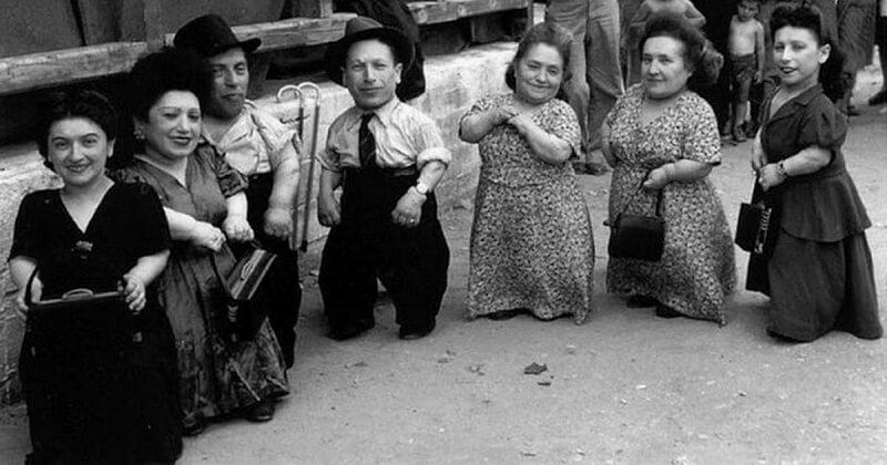 Как карликовый рост помог семье евреев-музыкантов Овиц пережить эксперименты в Освенциме