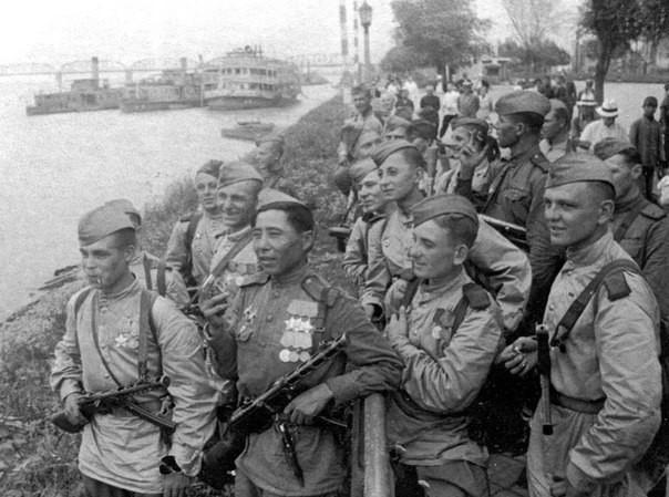 Как разведгруппа из 25 человек разгромила 5-тысячный немецкий гарнизон
