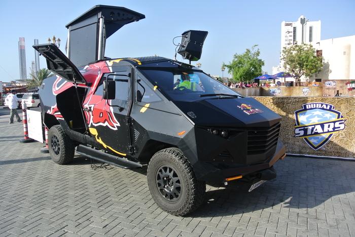 RB-LR Party Van