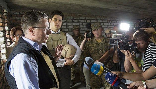Волкер предложил Украине использовать Минск в своих интересах