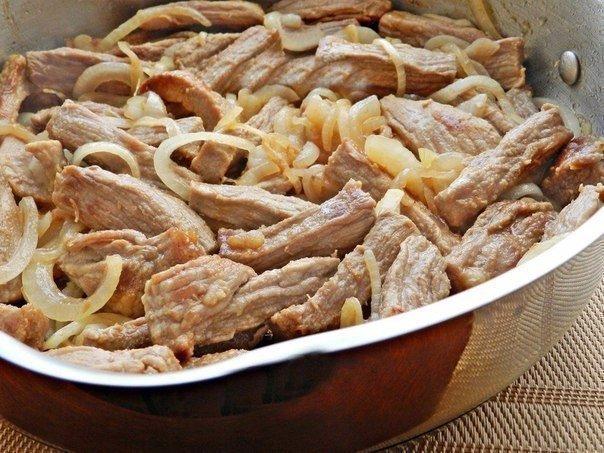 Блюдо для сильных мужчин: Сочное Мясо тушеное со сметаной