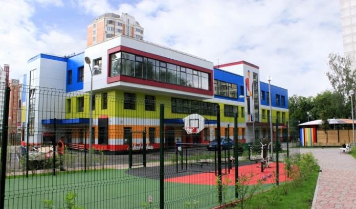 Масштабная стройка. В Москве за три года построят почти две сотни социальных объектов