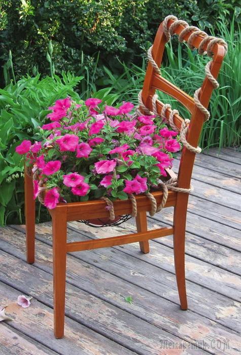 Цветущий стул своими руками