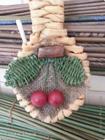 Плетение из газет. Декоративные ложки для украшения кухни (5) (360x480, 109Kb)