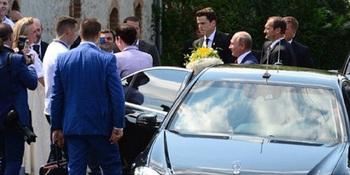 Опоздавший на свадьбу Владим…