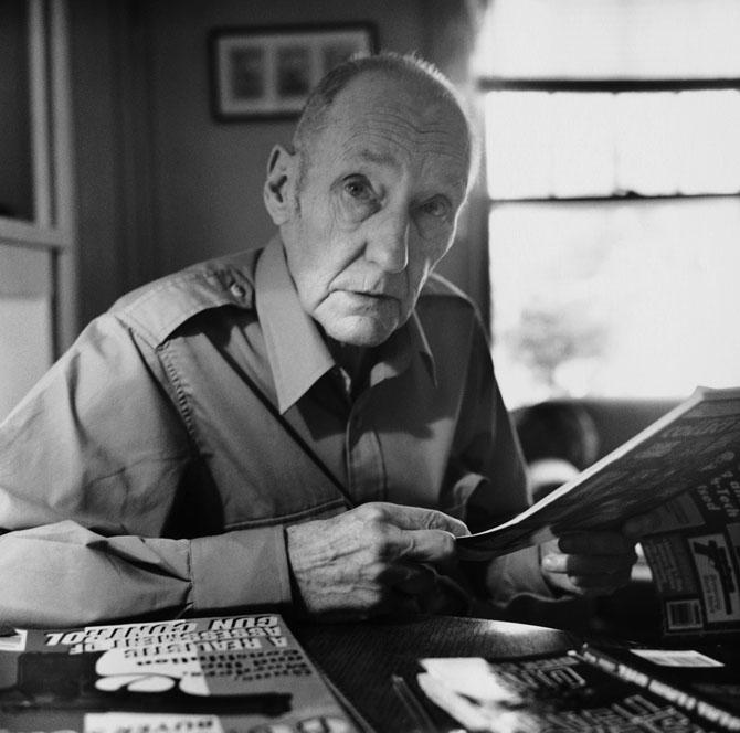 10 известных писателей, страдающих зависимостями