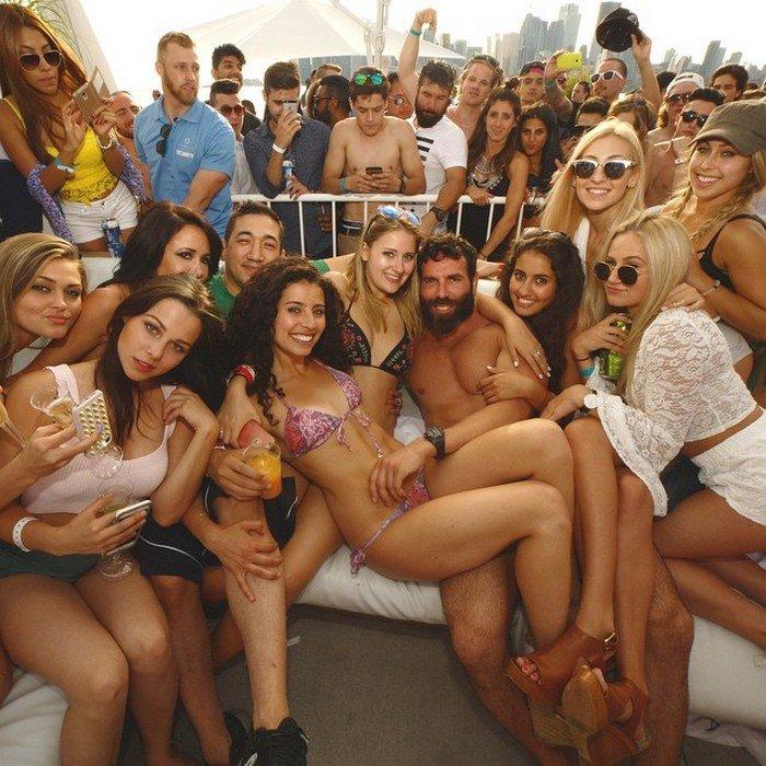 жесточайшие фото богатые развлекаются с девушками вновь