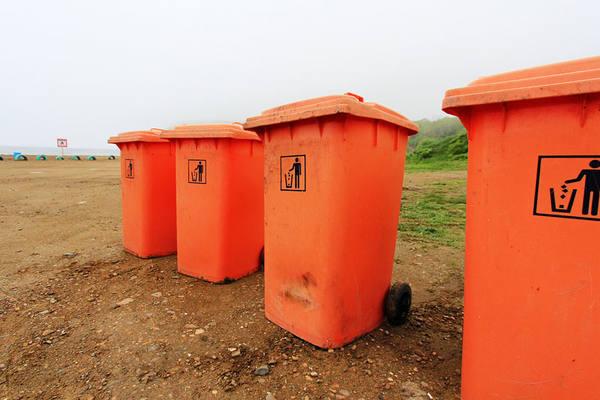 Сеть KFC уличили в неправильном обращении с мусором
