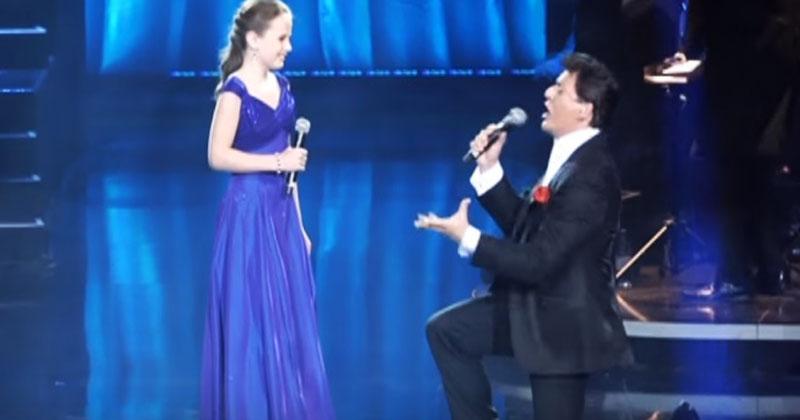12-летняя девочка спела с оп…