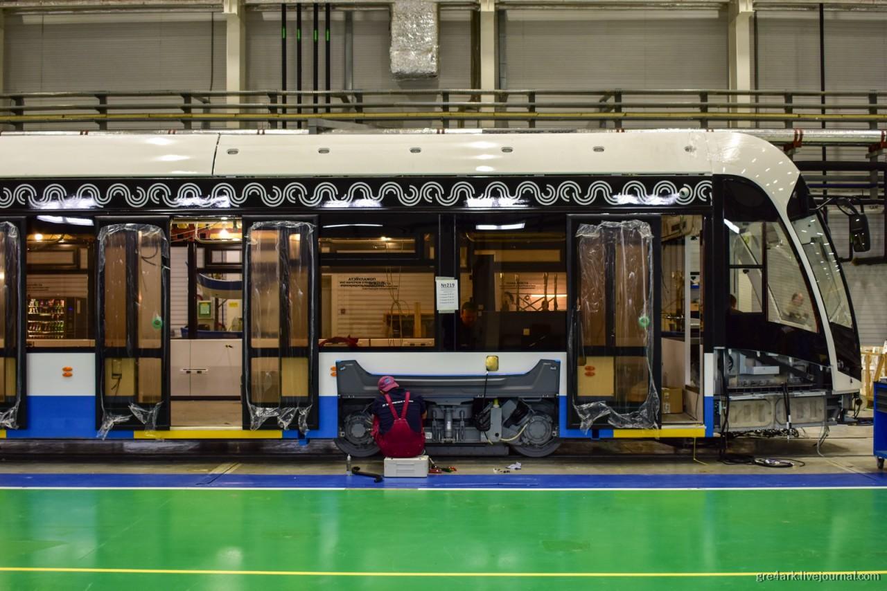 Как собирают трамваи и Хвост электробуса